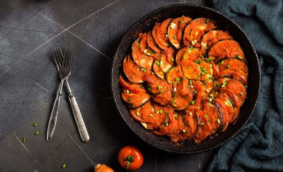 פרוסות חצילים ברוטב עגבניות   צילום: אתר הצמחונות והטבעונות הישראלי