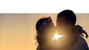 ♥זוג בנשיקה לוהטת | עיבוד צילום: שולי סונגו