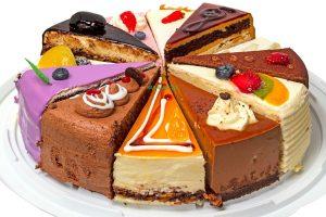 סוכות הוא חג של אורחים. ואורחים, משמעו; עוגות   עיבוד צילום: שולי סונגו