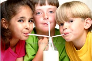 משרד החקלאות, לקראת חג שבועות: ישראלי, ממוצע שתה בשנת 2013 כ-900 כוסות חלב