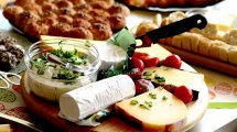 מקבץ חטיפי גבינה לחג שבועות ולכל השנה | עיבוד צילום: שולי סונגו ©