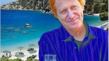 """שמעון פרנס הצביע """"כן"""" ל-יוון, יופיע בטברנות האי קרפטוס"""