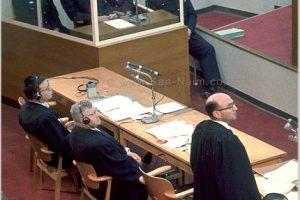 נאום התביעה של גדעון האוזנר, שפתח את משפט אדולף אייכמן, שפעל לחיסול יהודי אירופה | צילום: ארכיון גנזך המדינה | עיבוד: שולי סונגו ©