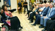 """""""רואים עולם"""" עם ג'סי נורמן, זמרת האופרה נגד החרם על ישראל"""