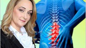 עורכת דין אסי לביא צוקרמן ברקע גידול בעמוד השדרה
