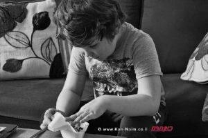 ליצנות רפואית משפרת תקשורת בין ילד אוטיסט לבין נורמטיבי   בצילום: ילד אוטיסט