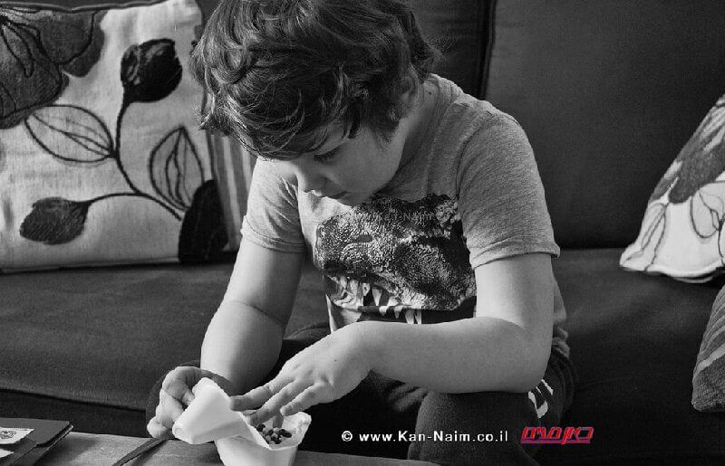 ליצנות רפואית משפרת תקשורת בין ילד אוטיסט לבין נורמטיבי | בצילום: ילד אוטיסט