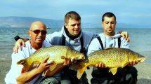 משמאל: ניקולאי בריגורנקו, אלכס אורלטס, יבגני פיטצקי מכרמיאל בתחרות דייג ספורטיבי 2016