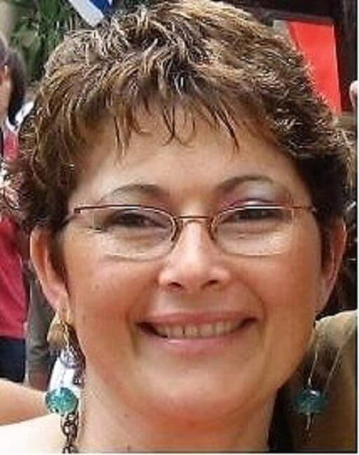 דוקטור אסתר זיכלינסקי מבית הספר לעבודה סוציאלית ב-אוניברסיטת אריאל