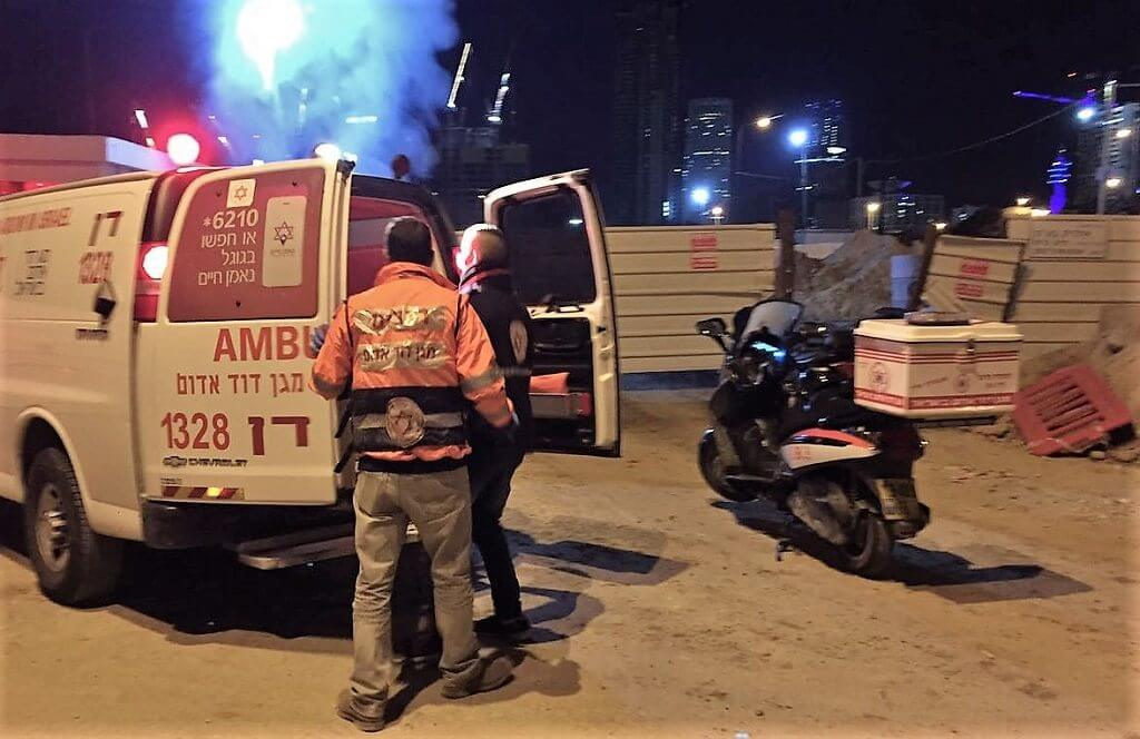 מדא, הציל גבר עם כוויות ליד אתר בניית תחנת הרכבת בתל אביב