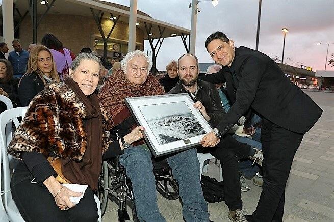 בבאר שבע הוצב פיסול עוצמה של האמן יגאל תומרקין הבינלאומי במעמד ראש העיר מר רוביקדנילוביץ' |צילוםבאדיבות עיריית באר שבע