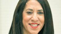 מנהלת יחידת השיווק והדוברות בבורסה, הגברת אורנה גורן על אתר עם פתרונות דיגיטליים לניהול קשרי משקיעים