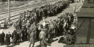 סלקציה ברציף הרכבת במחנה אושויץ-בירקנאו, 1944