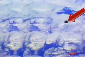 לוויין התלמידים הישראלי דוכיפת 2 יוצא אל מסלולו בחלל | צילום מסך, ISS | עיבוד צילום: שולי סונגו©