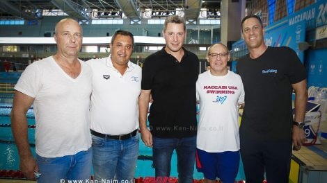 מימין לשמאל; יואב ברוק, אלכס בלווטניק, עופר גונן, סימון דוידסון ואמיר נפתלי | צילום גיא יחיאלי |עיבוד צילום: שולי סונגו ©