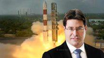 שר המדע והטכנולוגיה מר אופיר אקוניס ברקע: לוויינים ישראליים BGUSAT ו-SpacePharma שוגרו בהצלחה בעבר מהודו | עיבוד צילום: שולי סונגו ©