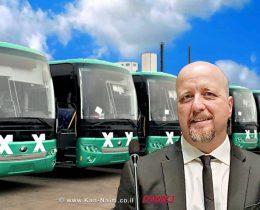 נציב שוויון זכויות לאנשים עם מוגבלות מר אברמי טורם   רקע אוטבוסים של חברת אגד   עיבוד צילום: שולי סונגו ©