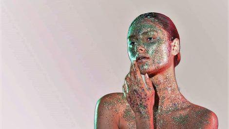'תערוכת Textures' צילומי איפור משותפת לירין שחף והילה אלקיים | עיבוד צילום: שולי סונגו ©