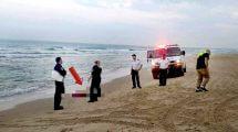 אישה כבת 40טבעה למוות ביםדרומית ל'חוף ארגמן' בנתניה | צילום: דוברות מדא | עיבוד צילום: שולי סונגו ©