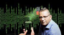 מוטי אלמליח מנכלחברת בזק בינלאומי עלאפליקציית מובייל 'אפליקציית Cyber Log' | עיבוד צילום: שולי סונגו ©