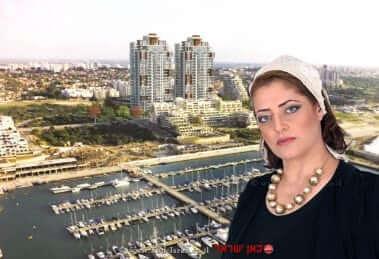 עפרה חדד, סמנכלית חברת יורו ישראל ברקע פרויקט SEA@SKY באשקלון | צילום: אמנון ארד | עיבוד צילום: שולי סונגו ©