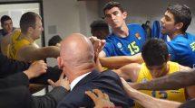 שחקני מכבי תל אביב ומאמנםחוגגים הנצחון על אמברג בליגת כדורסל אירופית היורוליג | צילום: אתר הקבוצה