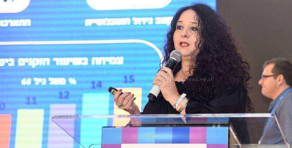 מנהלת מינהל התכנון הגברת דלית זילבר |צילום: ארן דולב | עיבוד צילום: שולי סונגו ©