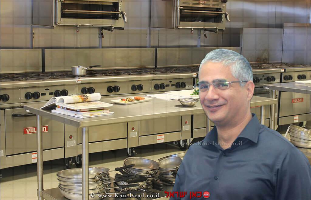 רן קויתי, מנהל הסוכנות לעסקים קטנים ובינוניים במשרד הכלכלה והתעשייה | רקע: מטבח | עיבוד צילום: שולי סונגו ©
