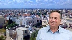 אלוף (במיל') עוזי דיין, יושב ראש מפעל הפיס | רקע:באקה אל גרבייה