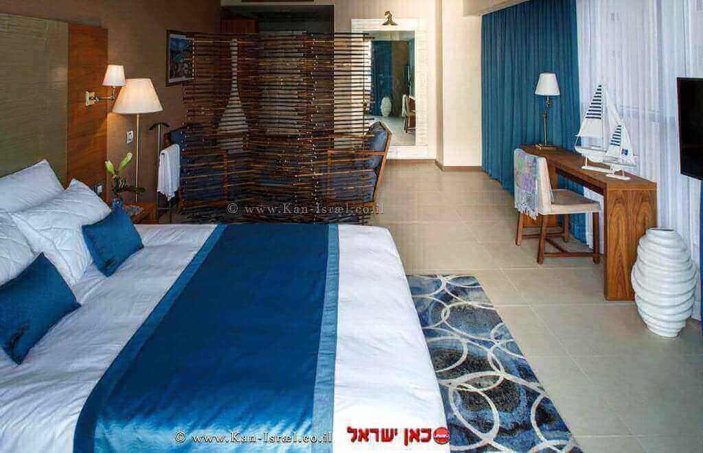 חדר במלון מדיטרה בנתניה | עיבוד: שולי סונגו ©