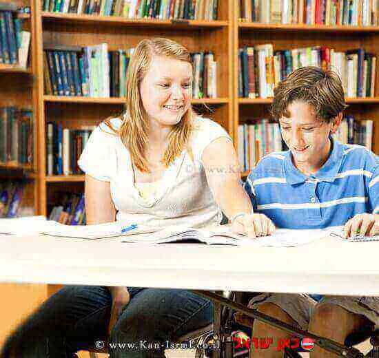 תלמיד עם מוגבלות הלומד במערכת החינוך| עיבוד: שולי סונגו ©