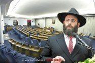 הרב מנחם מרגולין מנכל איגוד הארגונים היהודים באירופה, ברקע הסנאט הפולני