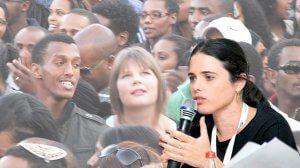 שרת המשפטים חברת כנסת איילת שקד | רקע: יהודים יוצאי אתיופיה ורוסיה
