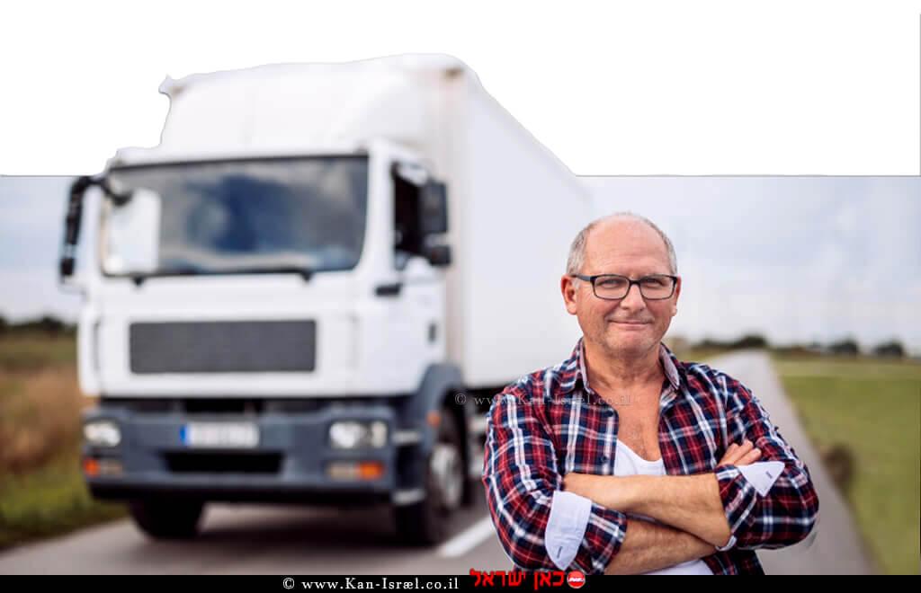 נהג הובלות עם משאית | אילוסטרציה | עיבוד צילום: שולי סונגו