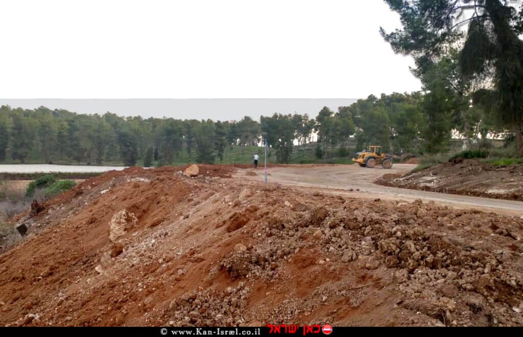 הקרקע שהוצאה בחפירות לשטח לָכִיש בעקבות מטרדי ריח וערכים גבוהים של אמוניה | צילום: קרן גוריון, המשרד להגנת הסביבה