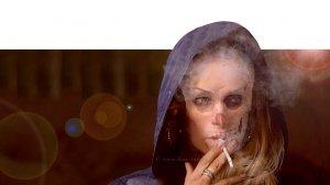 אישה מכורה לעישון | כל שעה מת אדם מעישון| עיבוד צילום: שולי סונגו