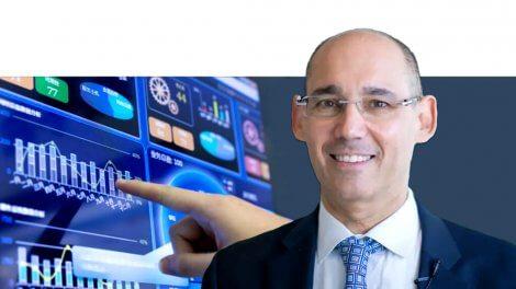 פרופ' אמיר ירון נגיד בנק ישראל   ברקע: אילוסטרציה, תוצאות חטיבת המחקר של הבנק   עיבוד צילום: שולי סונגו