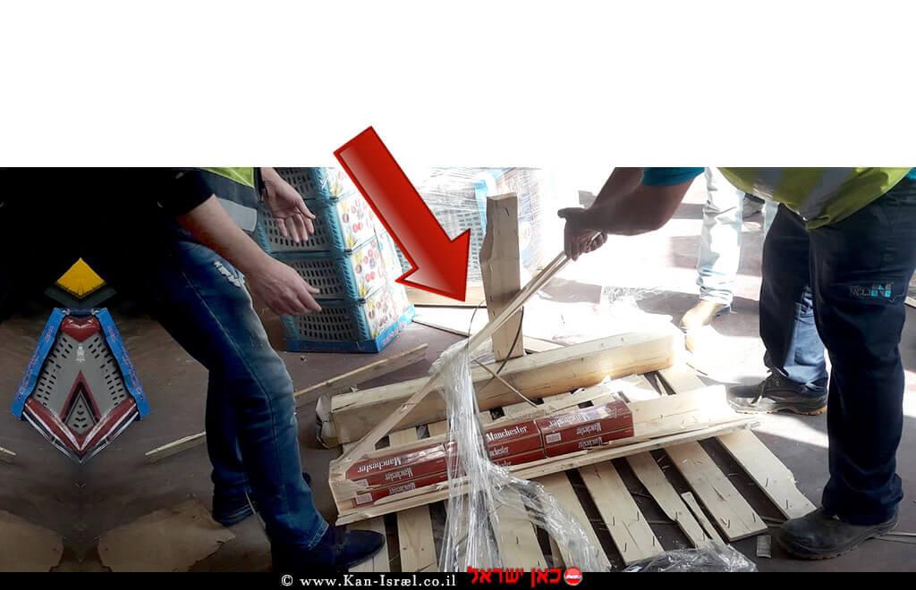 בודקי המכס בפעולה חושפים הברחת סיגריות בתוך לוחות עץ במעבר גבול ניצנה|צילום: דוברות רשות המסים | עיבוד צילום: שולי סונגו