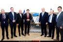 שר המדע והטכנולוגיה, מר אופיר אקוניס עם ראש הממשלה ואנשי משרדו בישיבת הממשלה לקראת מעמד שיגור ״בראשית״ לירח   עיבוד צילום: שולי סונגו