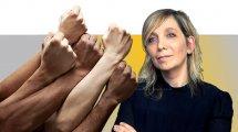 עורכת דין אמי פלמור; מנכלית משרד המשפטים, ברקע: המאבק בגזענות| עיבוד צילום: שולי סונגו ©