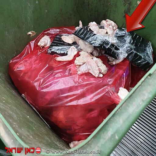 חלק של בשר העוף 371 קילוגרמים שאוחסן בתנאים בתנאים ירודים וחלקו פג תוקף