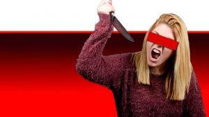 אישה עצבנית עם סכין מטבח מאיימת ברצח, הדמייה | עיבוד צילום ממחושב: שולי סונגו©