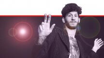 אלישע בנאי הזמר, מוזיקאי, פזמונאי, מלחין, מעבד מוזיקלי במופע סולו אקוסטי | צילום: אורית פניני | עיבוד צילום ממחושב: שולי סונגו©