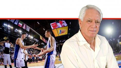 פרופ' מיכאל (מיקי) בר-אלי מאוניברסיטת הנגב   ברקע: כדורסלני נבחרת העתודה של ישראל בכדורסל - ים מדר, דני אבדיה   צילום: מזל שופן   FIBA   עיבוד צילום ממחושב: שולי סונגו©