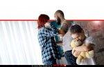 ילד בסיכון עם דובי ברקע: ההורים בעימות אלים | עיבוד צילום ממחושב: שולי סונגו©