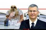 כב' השופט (בדימוס) דוד רוזן, נציב תלונות הציבור על מייצגי המדינה בערכאות, ברקע: אישה מתוסכלת מסחבת בעירייה | עיבוד צילום ממחושב: שולי סונגו©