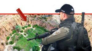 איש משמר הגבול ברקע: שתילי קנאביס שנמצאו באזור המושב בני דרום שסמוך לעיר אשדוד | צילום: דוברות המשטרה | אילוסטרציה | עיבוד ממחושב: שולי סונגו©