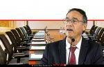 שי ניצן פרקליט המדינה, ברקע: חדר ישיבות של תאגיד עיסקי |צילום: פייסבוק משרד המשפטים | Depositphotos | עיבוד שולי סונגו ©