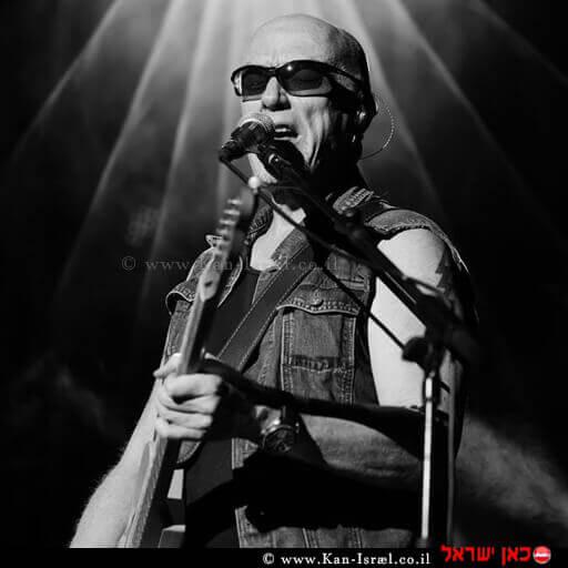 רוני פיטרסון 'מלך הבלוז המקומי' בישראל, המוזיקאי-יוצר וגיטריסט בלוז רוק ישראלי ממוצא אמריקאי-גרמני שהלך לעולמו בספטמבר 2019 | צילום דף הפייסבוק | עיבוד ממחושב: שולי סונגו©