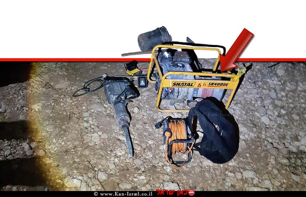 הציוד שנתפס בידי 6 חשודים בגניבת עתיקות מאתר הסמוך ליישוב נחלה על ידי שוטרי משמר הגבול | צילום: דוברות המשטרה | עיבוד ממחושב: שולי סונגו©